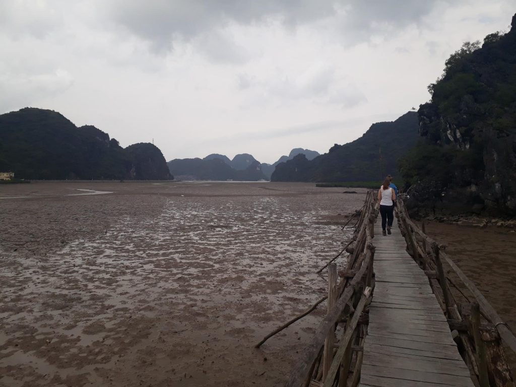 Solo backpacking in Cat Ba HaLong Bay