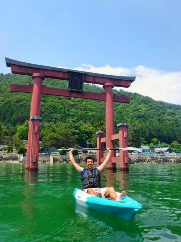 Kayaking through the Torii Gate