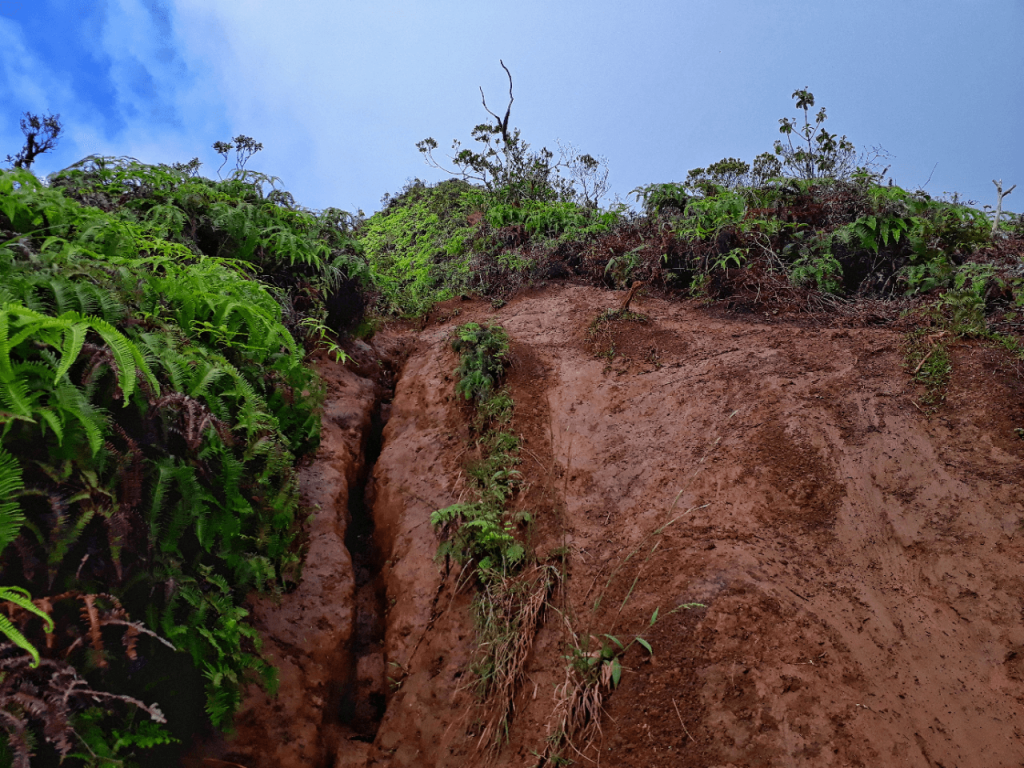 Slippery climbs at Kaau Crater