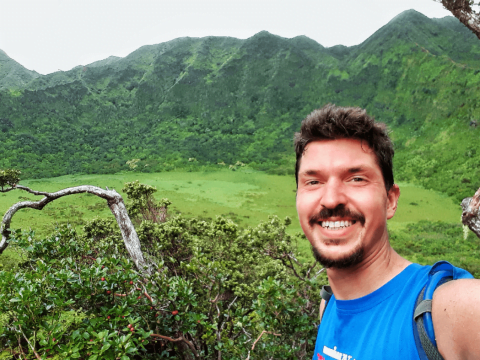 Hiking the Ka'au Crater Trail
