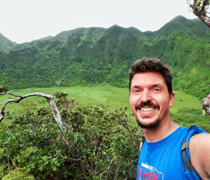 Hiking the Ka'au Crater Trail