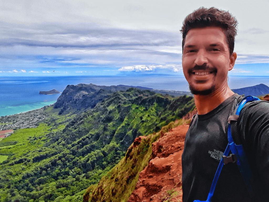 Kuli'ou'ou ridge trail summit