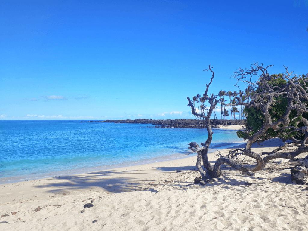 Makalawena beach - Hawaii on a budget