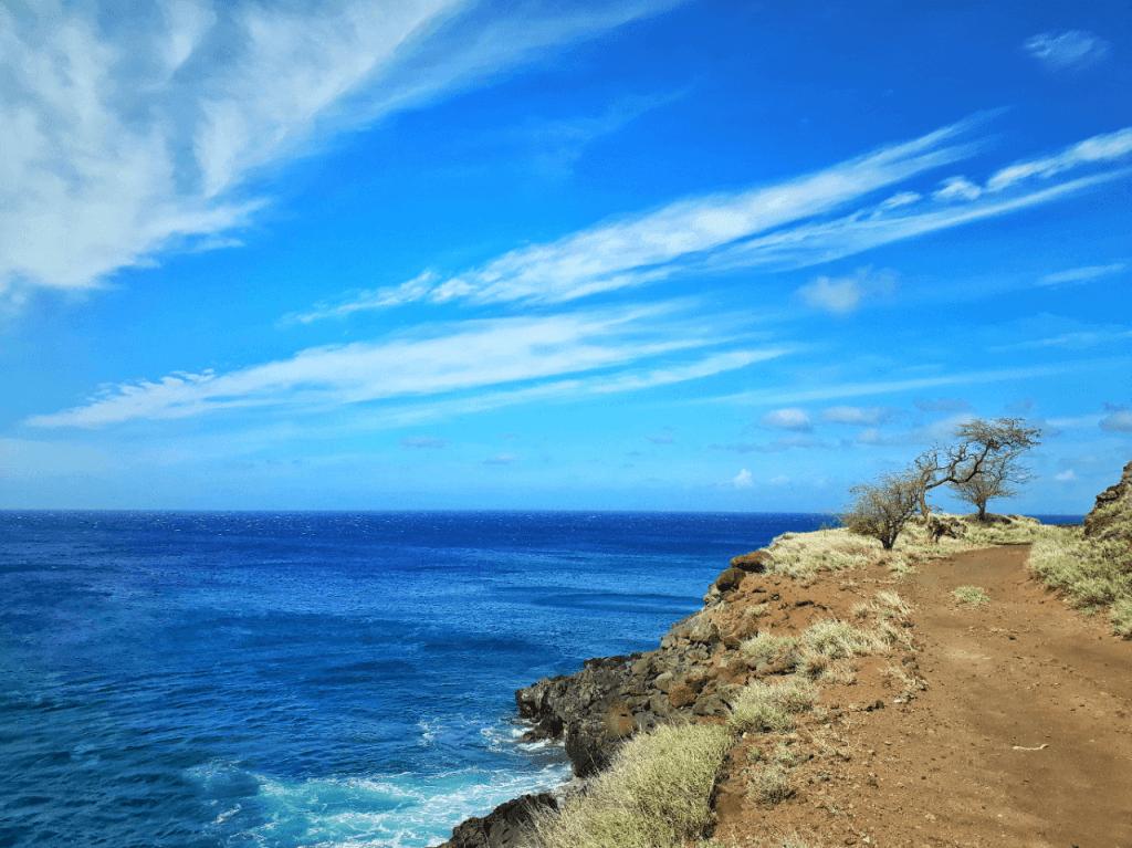hiking in hawaii