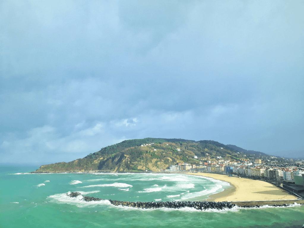 zurriola beach san sebastian
