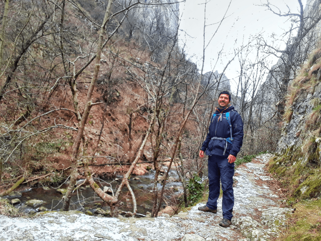 hiking in cheile turzii