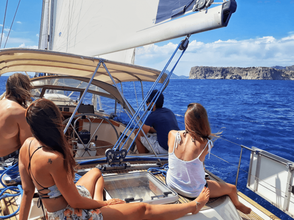 sailing and chill